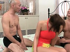 Asian gets licked in threesome