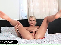 Horny blond babe fingers twat