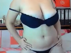 Cam solo masturbation display