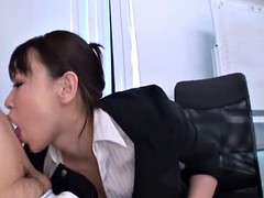 japanese female boss welcomes new worker