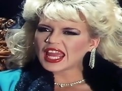 Retro glamorous blonde does classic deepthroat blowjob and gets fucked