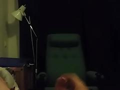 Amateur masturbating cumshot