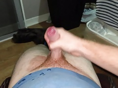 Cumming hard !