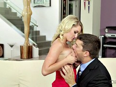 Quick sex with a blonde elegant