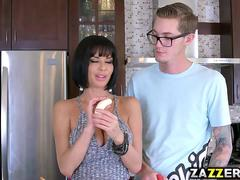 Buddy Hollywood feeds Veronica Avluv his huge cock