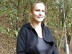 Czech amateur jogging babe gets some fuck for cash
