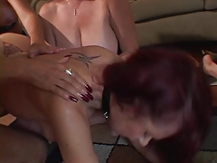 Lesbos crave pussies
