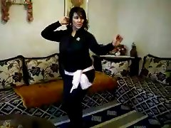 chubby arab amateur dance